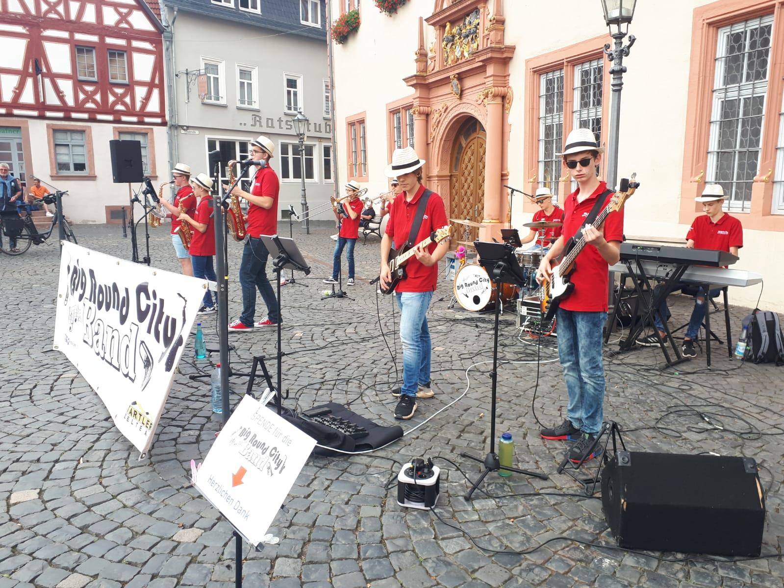 Auftritt Marktplatz Groß Umstadt 2020 - BigroundCityBand in kleiner Besetzung